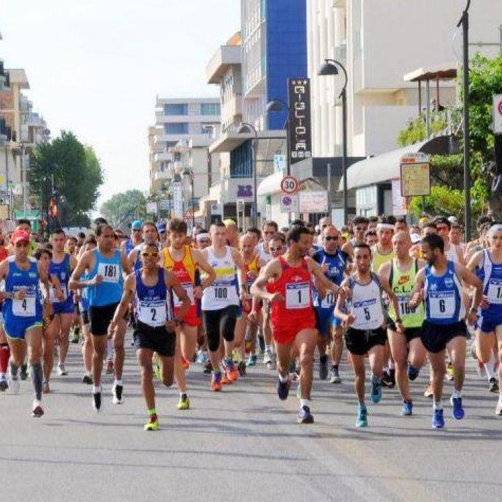 Maratonina dei Laghi: si preannuncia un'edizione da record
